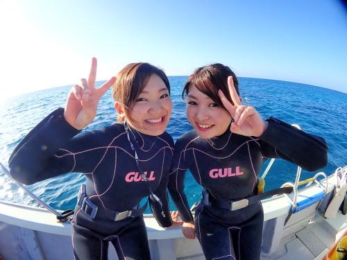 伊良部島ダイビングは少人数制のカイラで楽しく潜ろう!