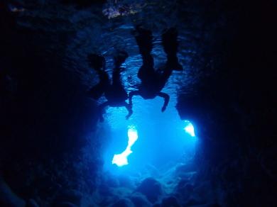 青の洞窟に行ってきました~。