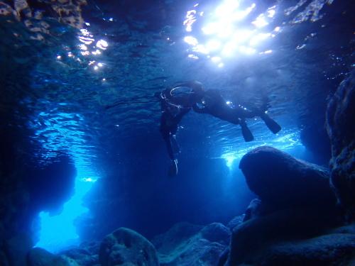 宮古島青の洞窟シュノーケル