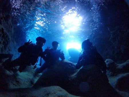 宮古島青の洞窟ダイビング貸切